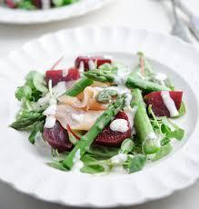 insalata con asparagi  e salmone affumicato