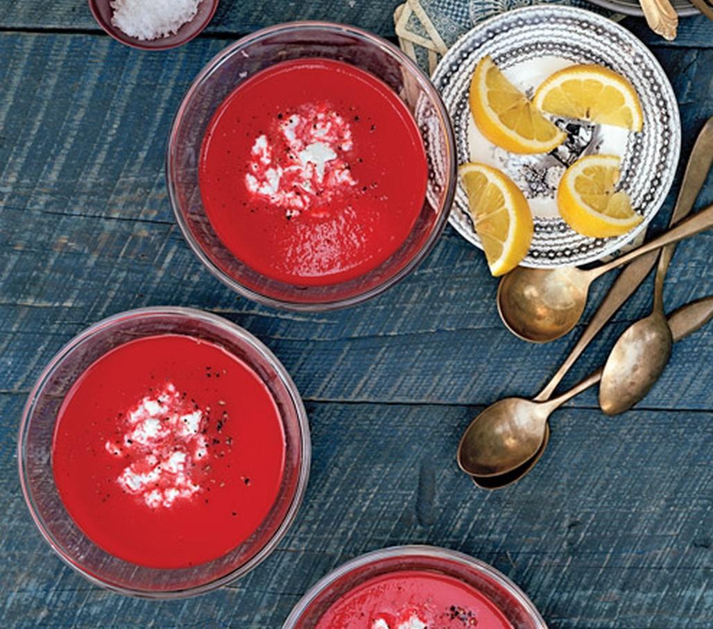 zuppa fredda di barbabietole e caprino