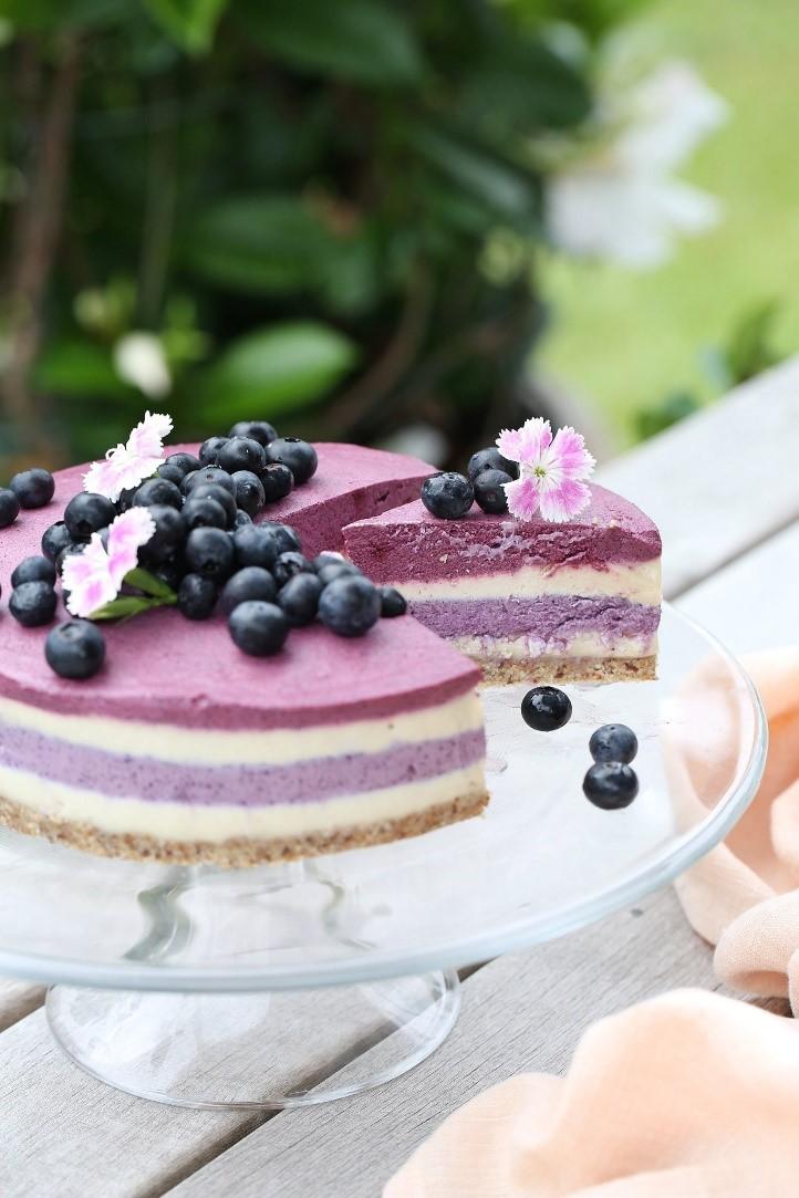 cheesecake ai mirtilli e rape rosse